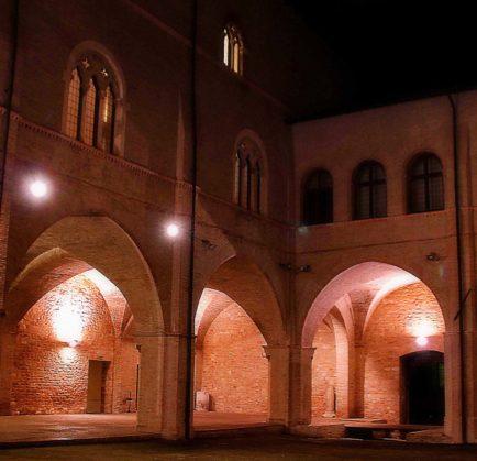 Palazzo Trinci, la nobiltà e il tardogotico